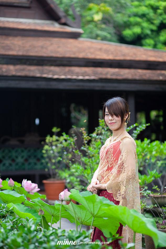 taiwan girl in thai traditional costume 2