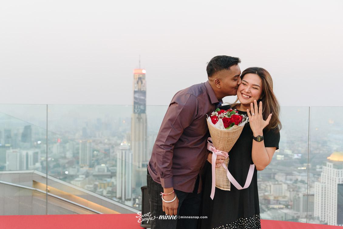 cru champagne bar wedding proposal 7