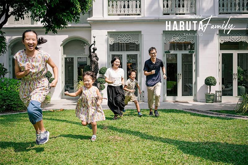 japanese family photos in bangkok thailand cover