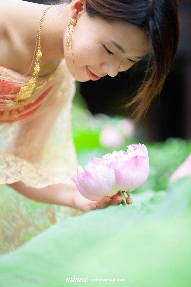 taiwan girl in thai traditional costume 3