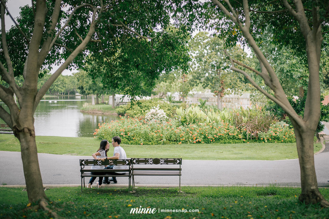 Chaloem Phrakiat Mahat Thai Park - Couple Photo in Bangkok
