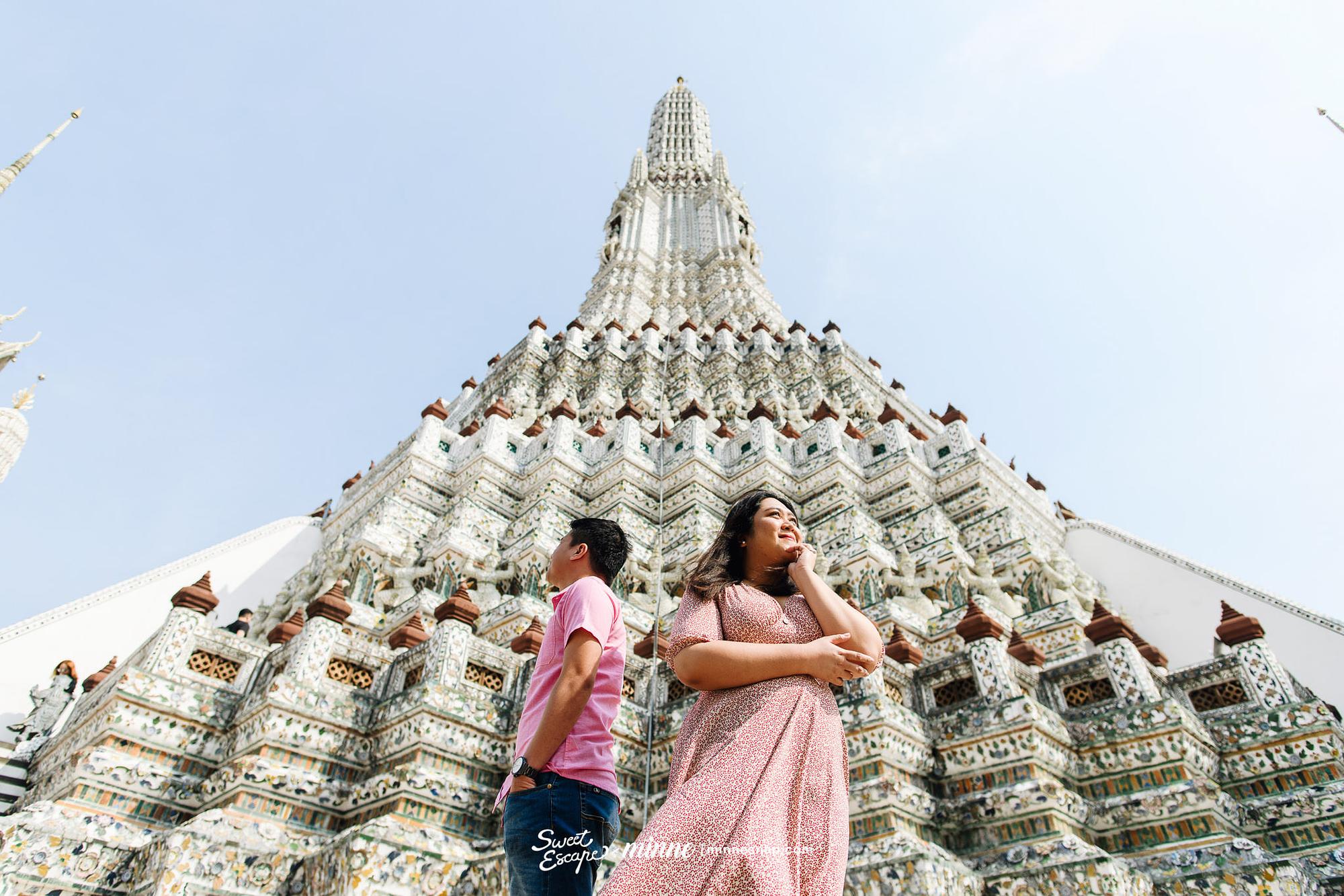 Honeymoon in Bangkok Thailand at Wat Arun and Floral Cafe at Napasorn